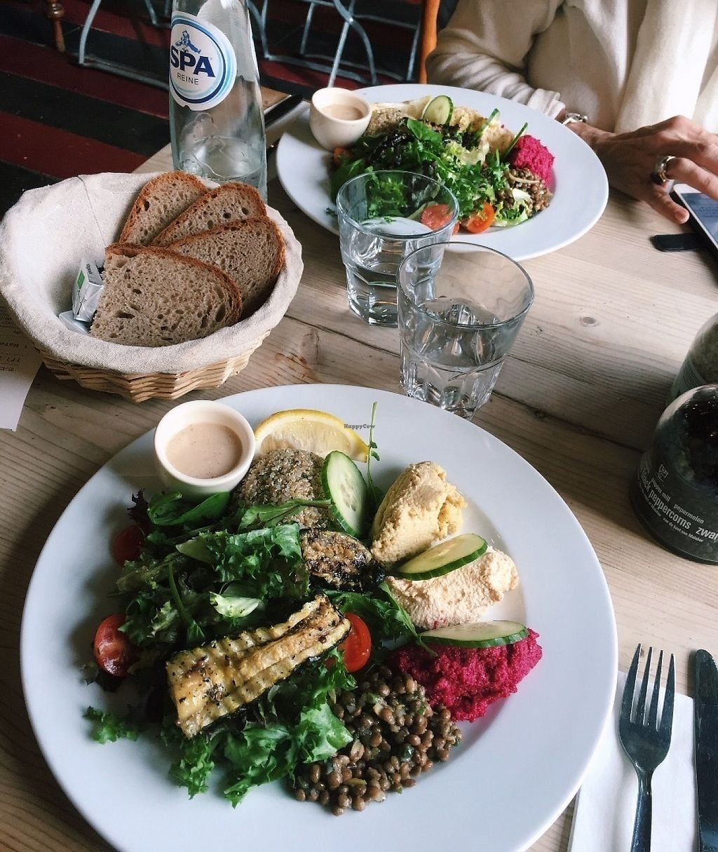 """Photo of Le Pain Quotidien  by <a href=""""/members/profile/LiesbetDilissen"""">LiesbetDilissen</a> <br/>This is my favourite dish EVER, I think! Quinoa salad! So tasty, so healthy! (100% vegan) <br/> May 14, 2017  - <a href='/contact/abuse/image/86329/258797'>Report</a>"""