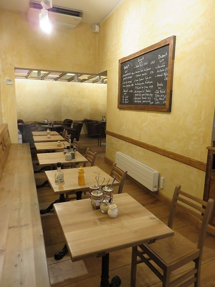 """Photo of Le Pain Quotidien  by <a href=""""/members/profile/TrudiBruges"""">TrudiBruges</a> <br/>inside one of the rooms at Le Pain Quotidien, Louvain <br/> September 25, 2017  - <a href='/contact/abuse/image/86340/308209'>Report</a>"""