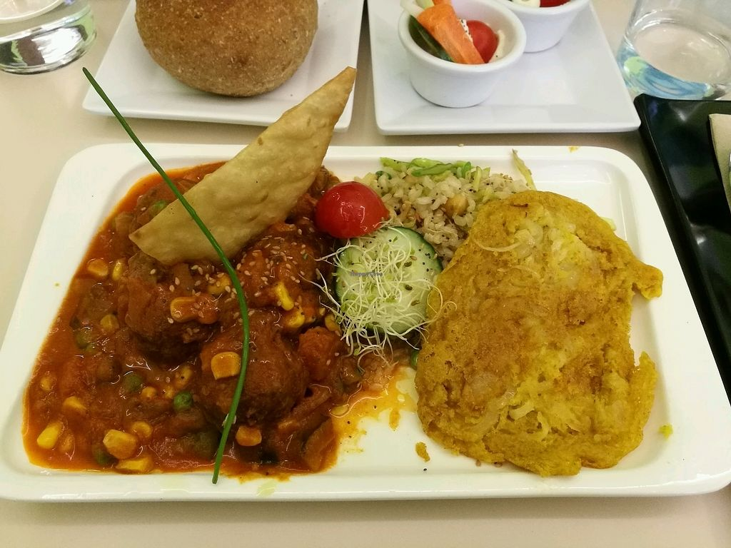 """Photo of Yerbabuena - Hileras  by <a href=""""/members/profile/Hannyyy"""">Hannyyy</a> <br/>Meat ball with rice <br/> February 14, 2018  - <a href='/contact/abuse/image/86491/359300'>Report</a>"""