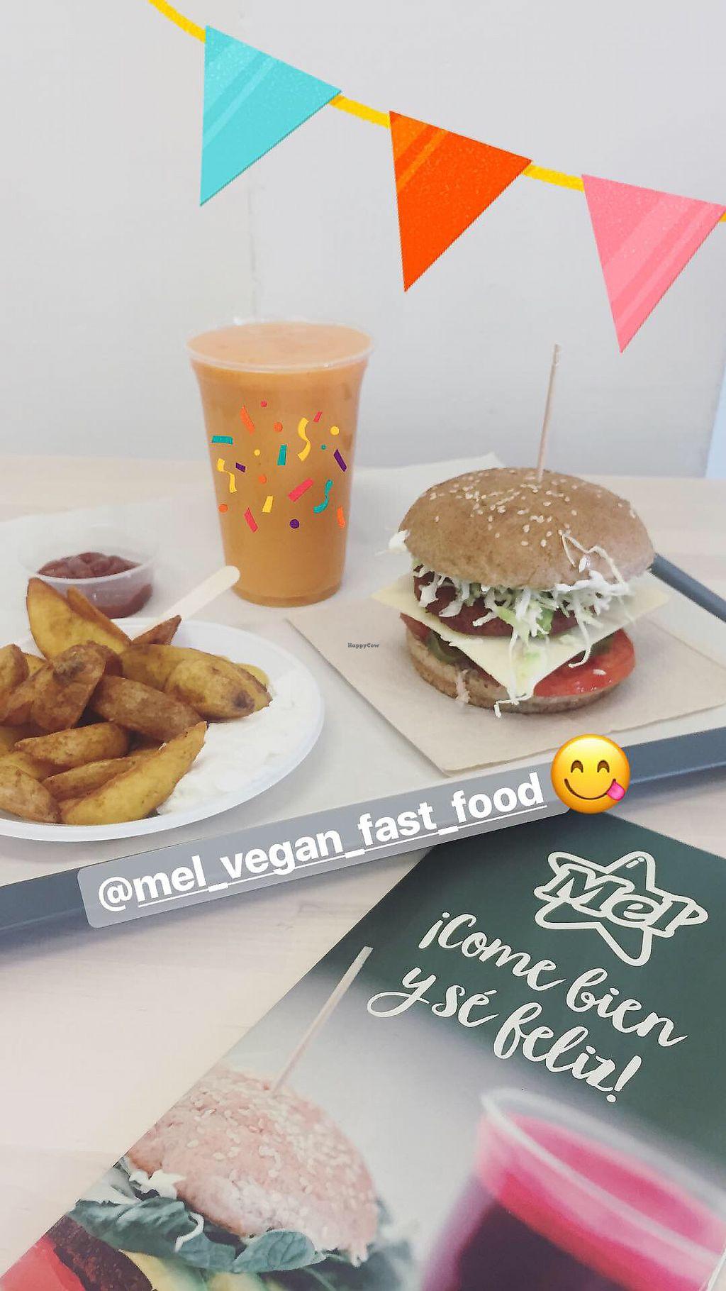 "Photo of Burger Mel - Suarez Guerra  by <a href=""/members/profile/p.fdez"">p.fdez</a> <br/>Burger Mel vegan fast food <br/> September 24, 2017  - <a href='/contact/abuse/image/86504/307920'>Report</a>"
