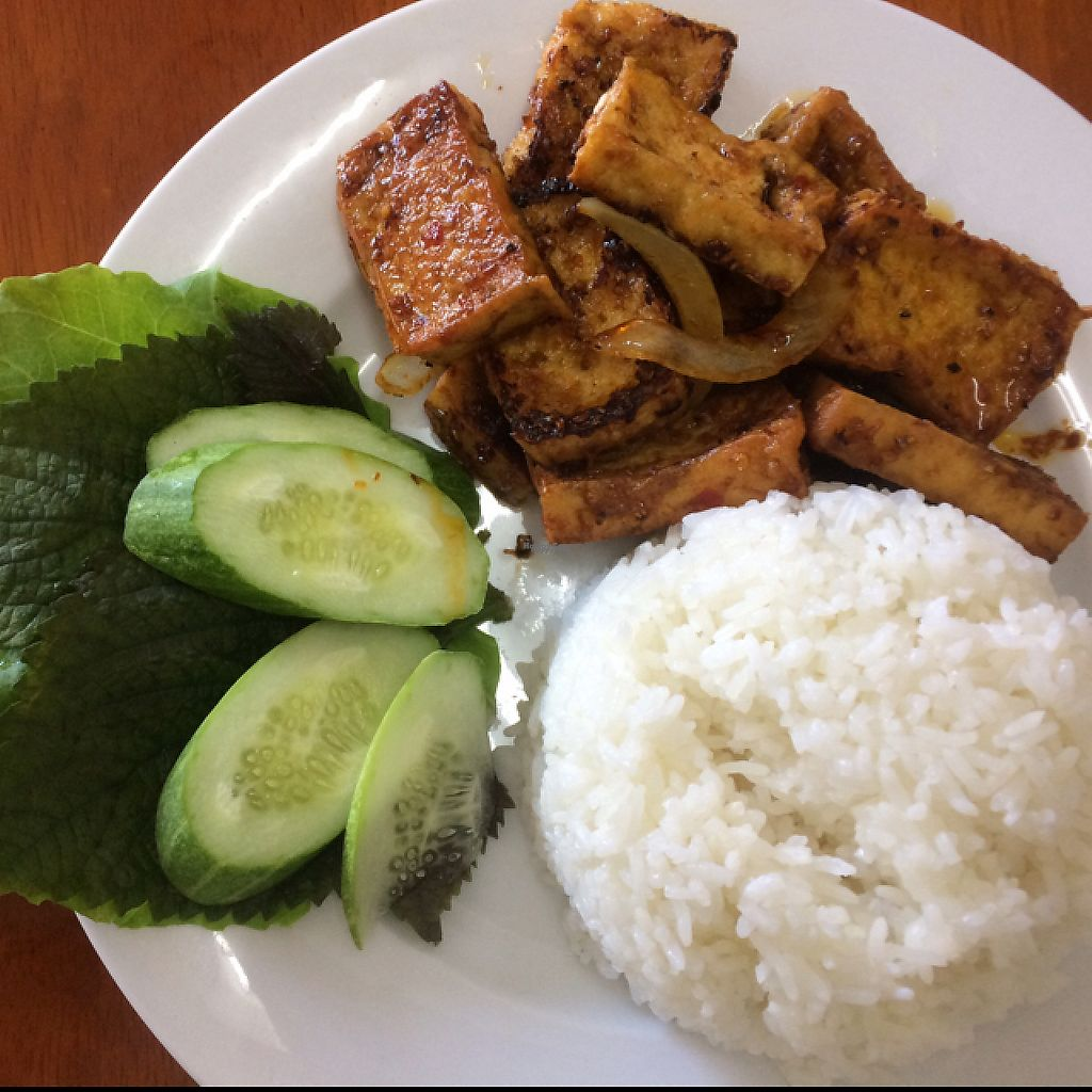 """Photo of Ngoc Huong  by <a href=""""/members/profile/FatTonyBMX"""">FatTonyBMX</a> <br/>Fried lemongrass tofu with rice.  <br/> February 5, 2017  - <a href='/contact/abuse/image/86639/223491'>Report</a>"""