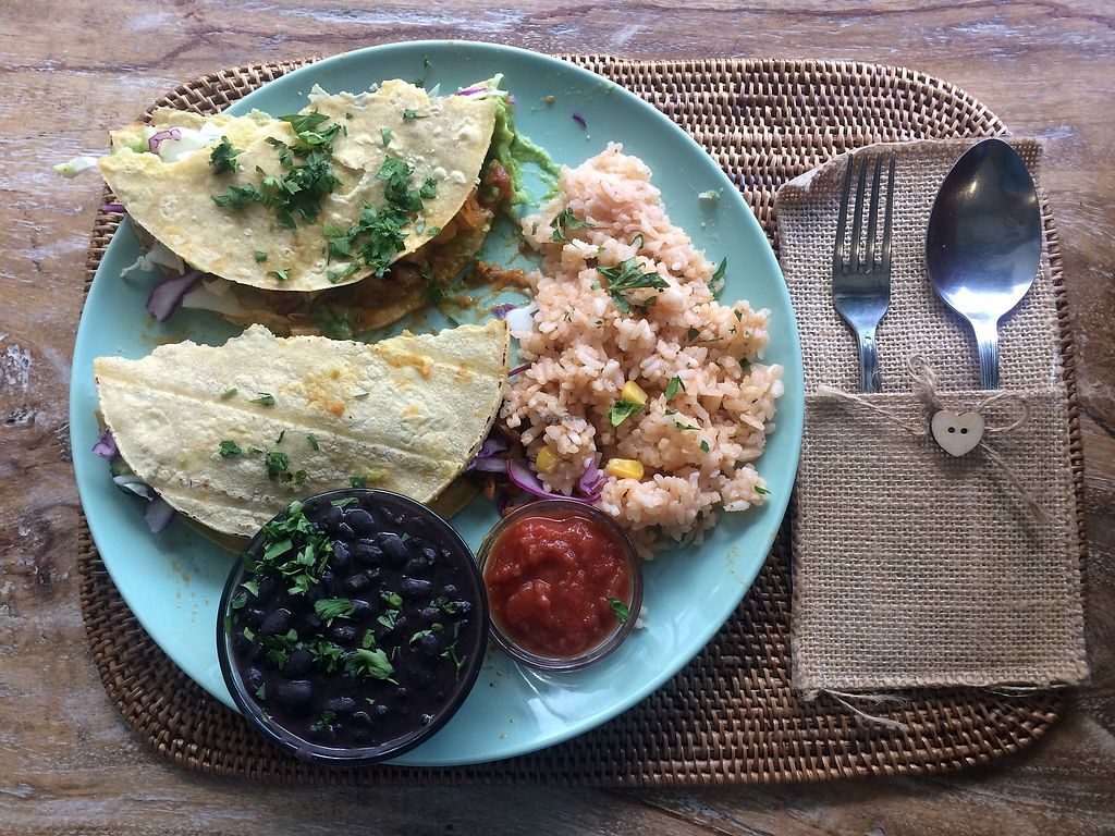 """Photo of The Farmacy Cafe  by <a href=""""/members/profile/laurenbarone"""">laurenbarone</a> <br/>Amazing vegan/vegetarian tacos! <br/> October 4, 2017  - <a href='/contact/abuse/image/86671/311675'>Report</a>"""