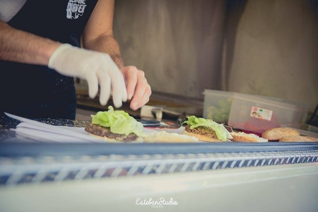 """Photo of The Veggie Burger Club Food Truck  by <a href=""""/members/profile/NicolasWeiner"""">NicolasWeiner</a> <br/>Hands <br/> March 13, 2017  - <a href='/contact/abuse/image/86708/235874'>Report</a>"""