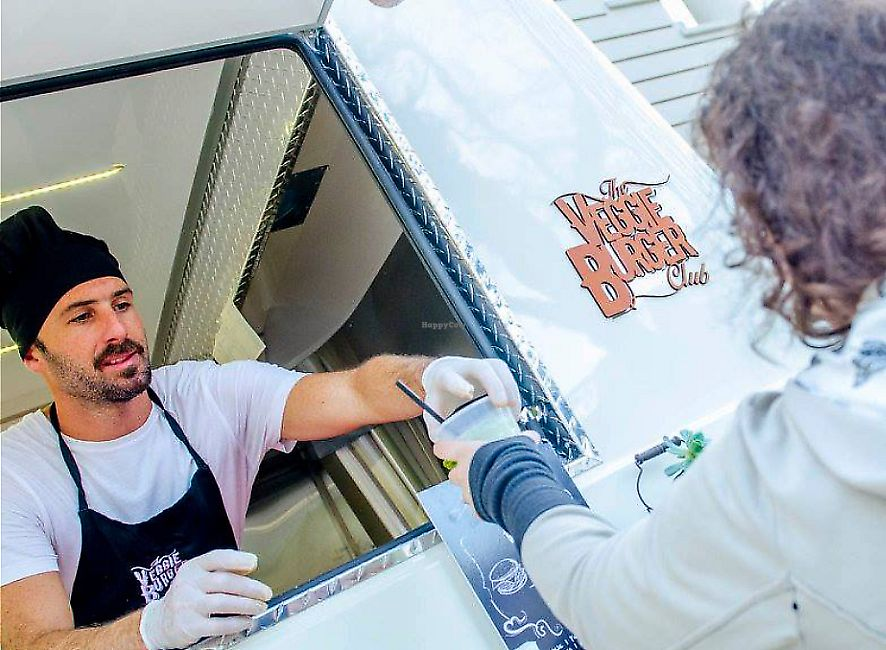 """Photo of The Veggie Burger Club Food Truck  by <a href=""""/members/profile/NicolasWeiner"""">NicolasWeiner</a> <br/>La entregal <br/> March 13, 2017  - <a href='/contact/abuse/image/86708/279327'>Report</a>"""