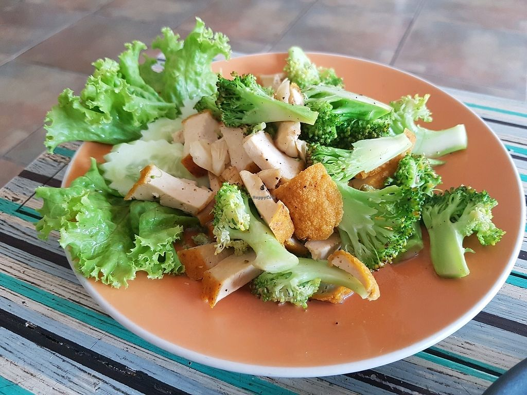 "Photo of Blue Juice  by <a href=""/members/profile/vegatleticas"">vegatleticas</a> <br/>Stir fry broccoli and tofu <br/> March 3, 2018  - <a href='/contact/abuse/image/86878/366130'>Report</a>"
