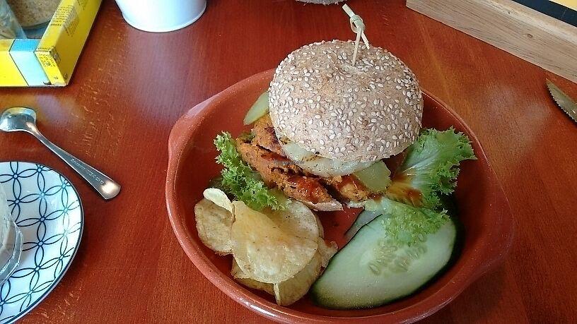 """Photo of Tea da-di Date  by <a href=""""/members/profile/Sorana"""">Sorana</a> <br/>Veggie burger <br/> June 24, 2017  - <a href='/contact/abuse/image/86910/272957'>Report</a>"""