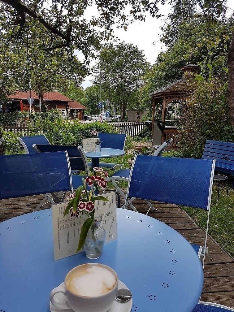 "Photo of Cafe Villino   by <a href=""/members/profile/Plankton"">Plankton</a> <br/>Soja-Cappuccino in the Garden <br/> June 26, 2017  - <a href='/contact/abuse/image/86915/273743'>Report</a>"