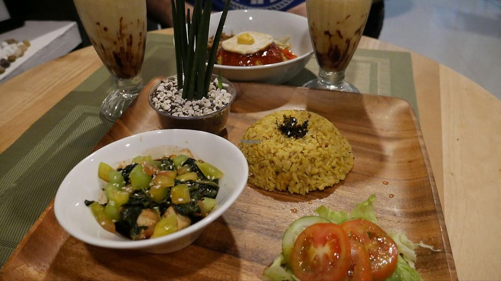 """Photo of Lun-Haw Vegan Cafe  by <a href=""""/members/profile/Melissaj1990"""">Melissaj1990</a> <br/>bibimap and air fried tofu with smoothies <br/> March 23, 2017  - <a href='/contact/abuse/image/86953/239883'>Report</a>"""