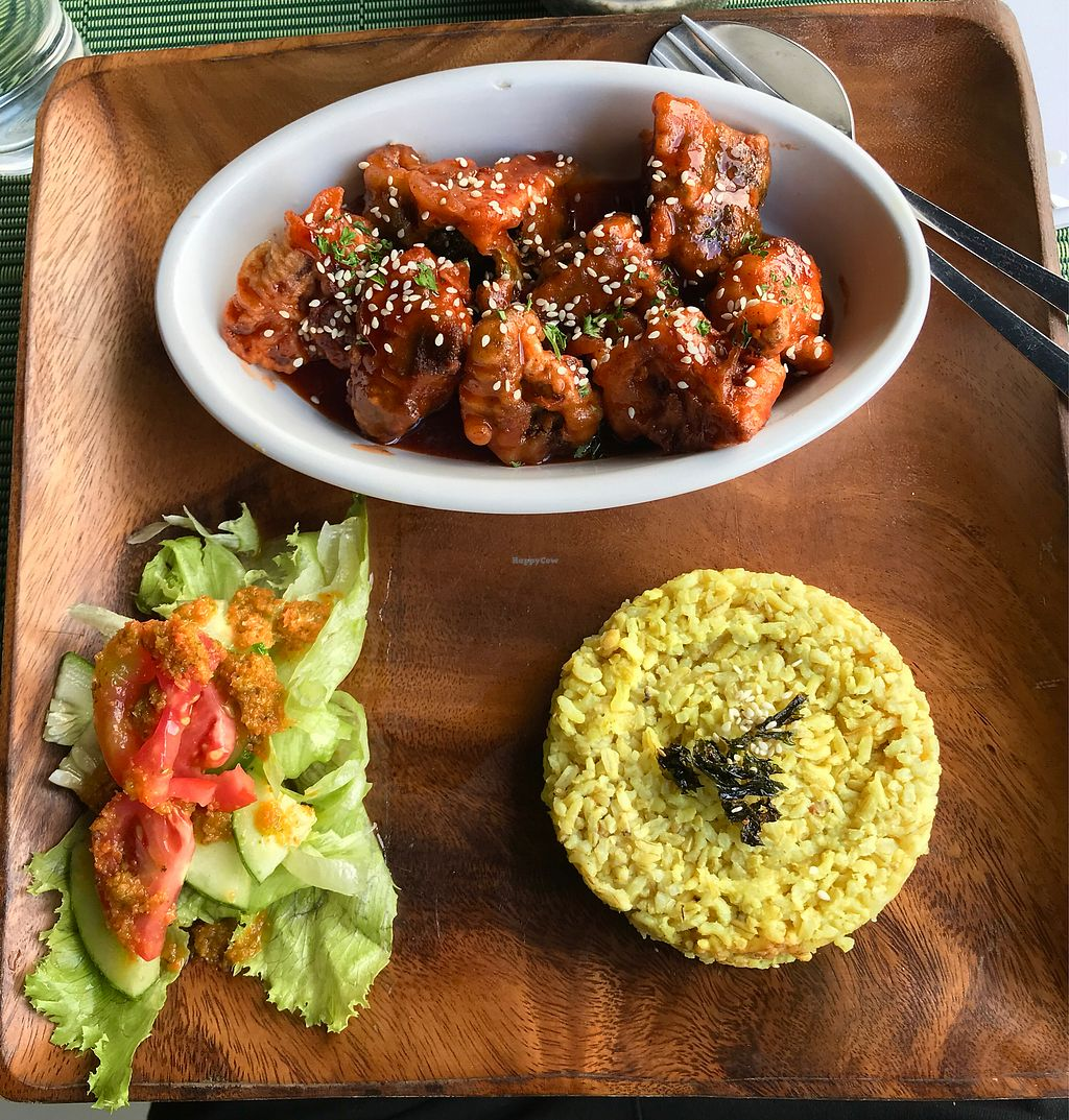 """Photo of Lun-Haw Vegan Cafe  by <a href=""""/members/profile/CharlieDrew"""">CharlieDrew</a> <br/>Buffalo Broccoli <br/> February 18, 2018  - <a href='/contact/abuse/image/86953/360774'>Report</a>"""