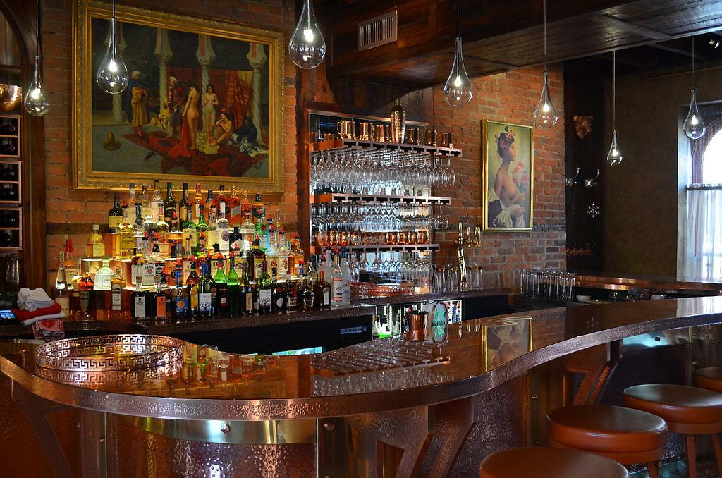 """Photo of The Courthouse Inn & Restaurant  by <a href=""""/members/profile/SusanNutter11"""">SusanNutter11</a> <br/>Serving specialty drinks made with top shelf liquor and fresh squeezed juices as well as craft beer and wine, the Side Bar in the Courthouse Inn & Restaurant features a hand-made, hand-polished copper bar <br/> February 15, 2017  - <a href='/contact/abuse/image/86971/226926'>Report</a>"""