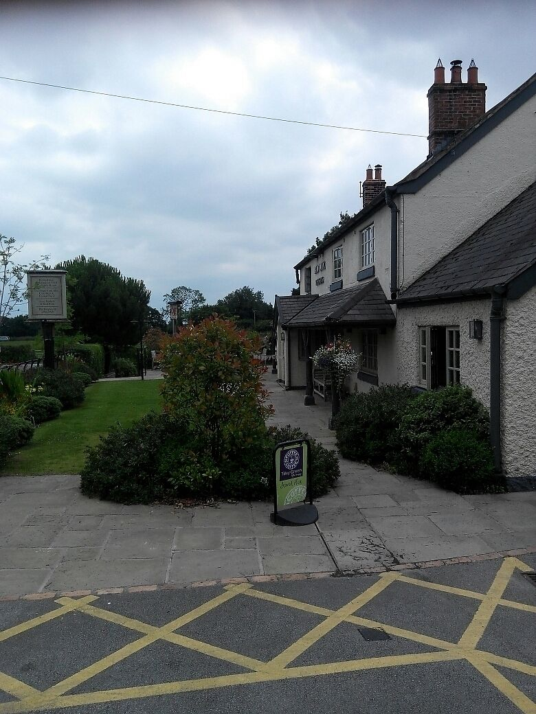 "Photo of Red Lion at Pickmere  by <a href=""/members/profile/RJS"">RJS</a> <br/>picturesque country pub <br/> July 19, 2017  - <a href='/contact/abuse/image/87029/282139'>Report</a>"