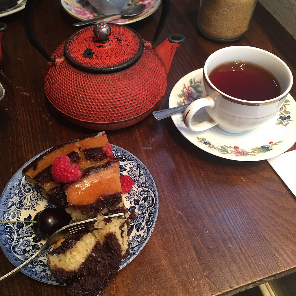 "Photo of Red Door Cafe  by <a href=""/members/profile/thisisnotjasper"">thisisnotjasper</a> <br/>Vegan chocolate & orange cake (& Russian Earl Grey tea) <br/> November 11, 2017  - <a href='/contact/abuse/image/87065/324345'>Report</a>"