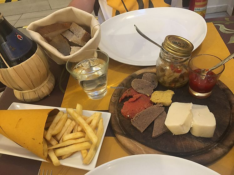 """Photo of Sciue Sciue  by <a href=""""/members/profile/LilyHarper"""">LilyHarper</a> <br/>fries, salami and cheese board <br/> June 13, 2017  - <a href='/contact/abuse/image/87067/268733'>Report</a>"""