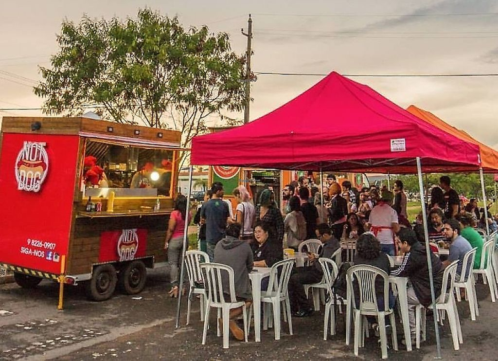 """Photo of Not Dog Food Truck  by <a href=""""/members/profile/bfeitosa"""">bfeitosa</a> <br/>fachada <br/> February 13, 2017  - <a href='/contact/abuse/image/87073/298057'>Report</a>"""