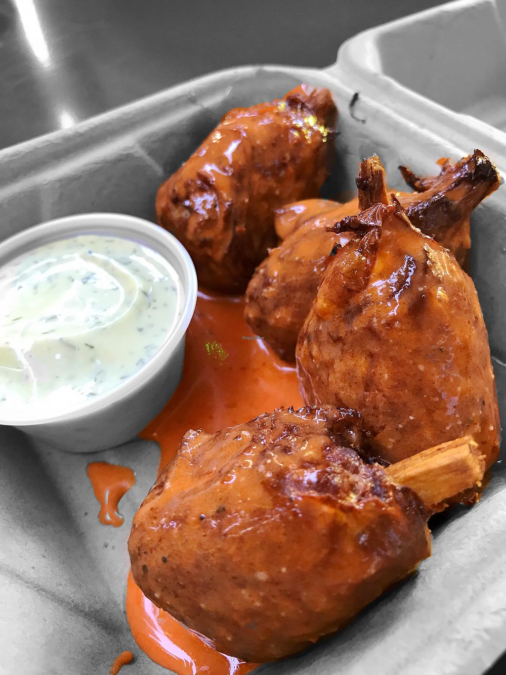"Photo of Fatsquatch PDX - Food Cart  by <a href=""/members/profile/Vegaholics"">Vegaholics</a> <br/>Smoked garlic buffalo wings are delicious  <br/> July 9, 2017  - <a href='/contact/abuse/image/87094/278284'>Report</a>"