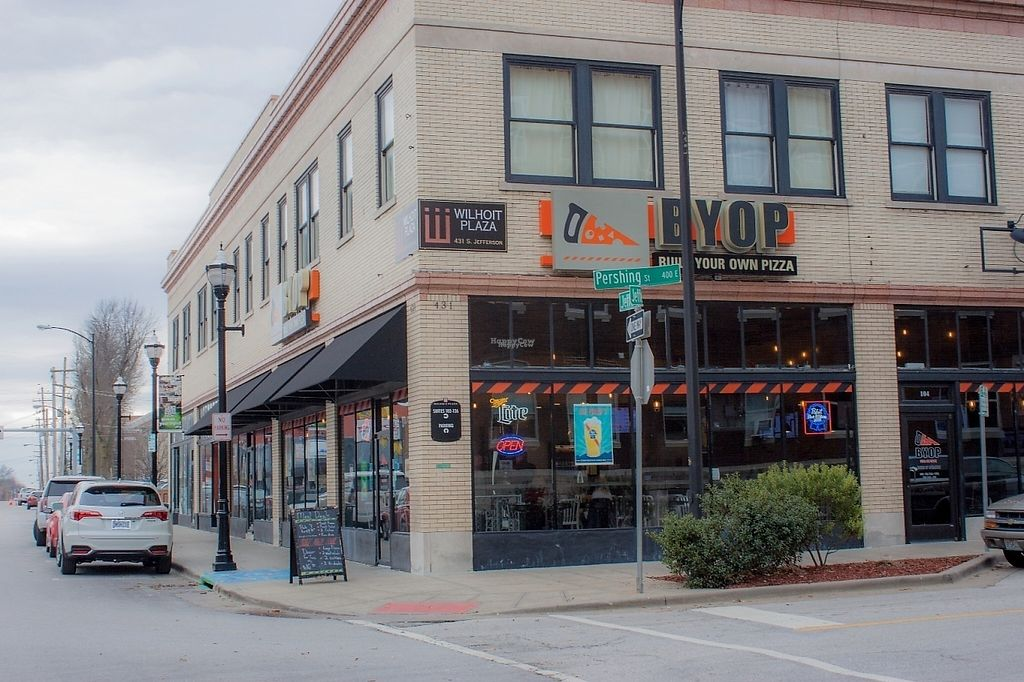 "Photo of BYOPizza  by <a href=""/members/profile/mseaman"">mseaman</a> <br/>BYOPizza in Downtown Springfield <br/> February 14, 2017  - <a href='/contact/abuse/image/87142/226482'>Report</a>"