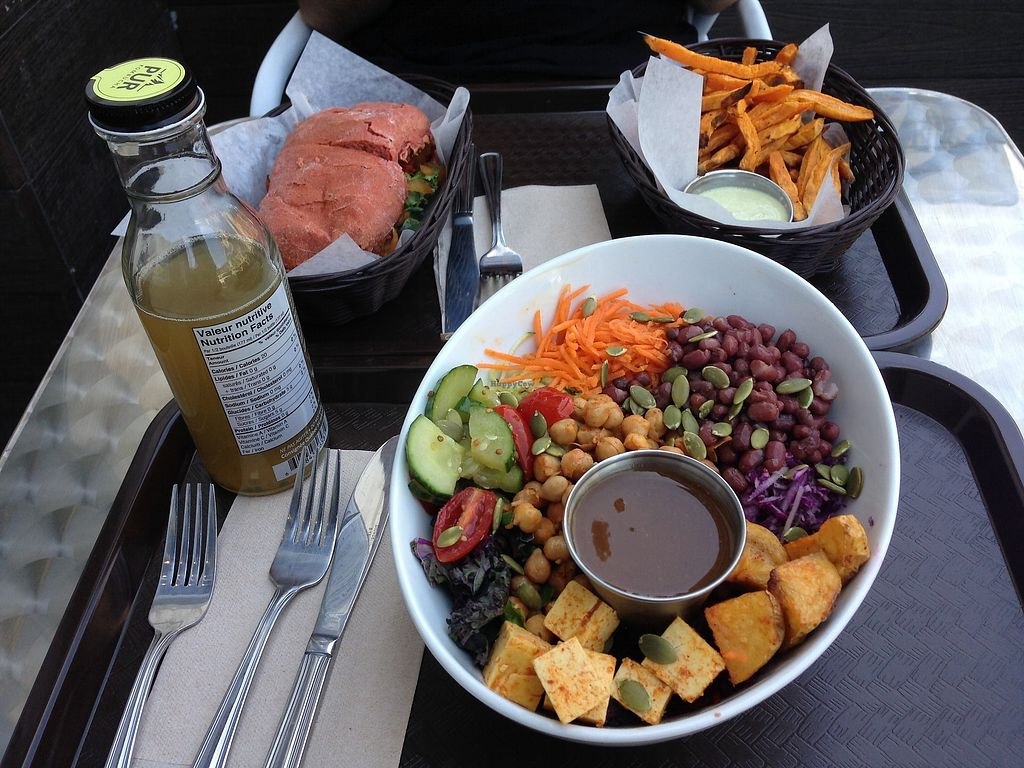 "Photo of Delicieux Veg Fusion Cafe  by <a href=""/members/profile/doitforthemermaids"">doitforthemermaids</a> <br/>Bowl indien <br/> July 22, 2017  - <a href='/contact/abuse/image/87144/283109'>Report</a>"
