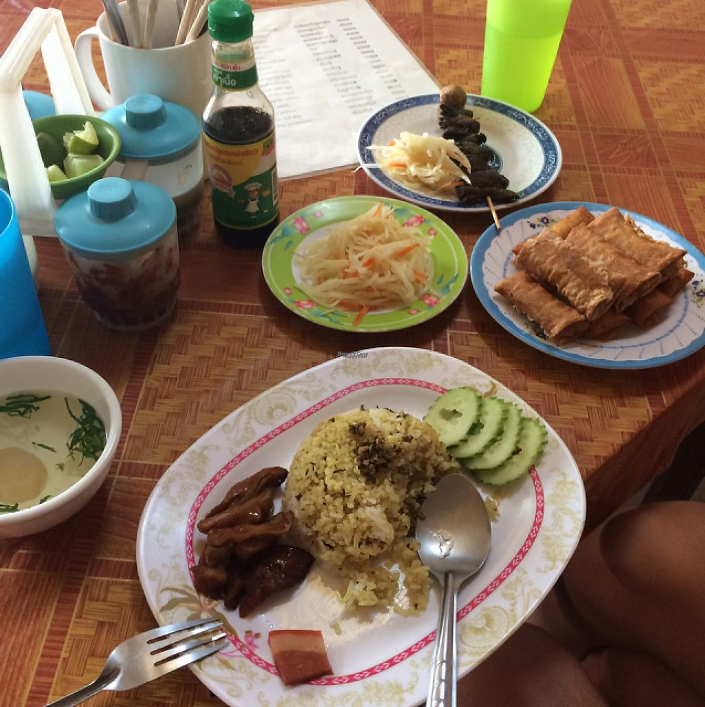 """Photo of Kang Le Restaurant  by <a href=""""/members/profile/Mitjacinda"""">Mitjacinda</a> <br/>all kinds of food  <br/> April 23, 2017  - <a href='/contact/abuse/image/87149/251301'>Report</a>"""