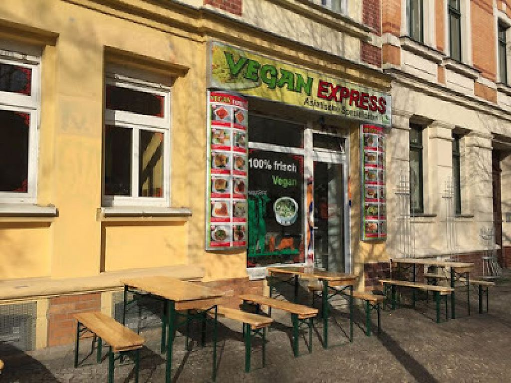 """Photo of Vegan Express  by <a href=""""/members/profile/ViolaceousViolin"""">ViolaceousViolin</a> <br/>Outside view <br/> February 15, 2017  - <a href='/contact/abuse/image/87168/226840'>Report</a>"""