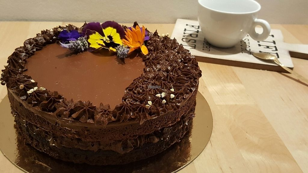 """Photo of Frolis  by <a href=""""/members/profile/Silvifrucella"""">Silvifrucella</a> <br/>Avocado & dates Birthday cake <br/> February 18, 2017  - <a href='/contact/abuse/image/87250/227996'>Report</a>"""