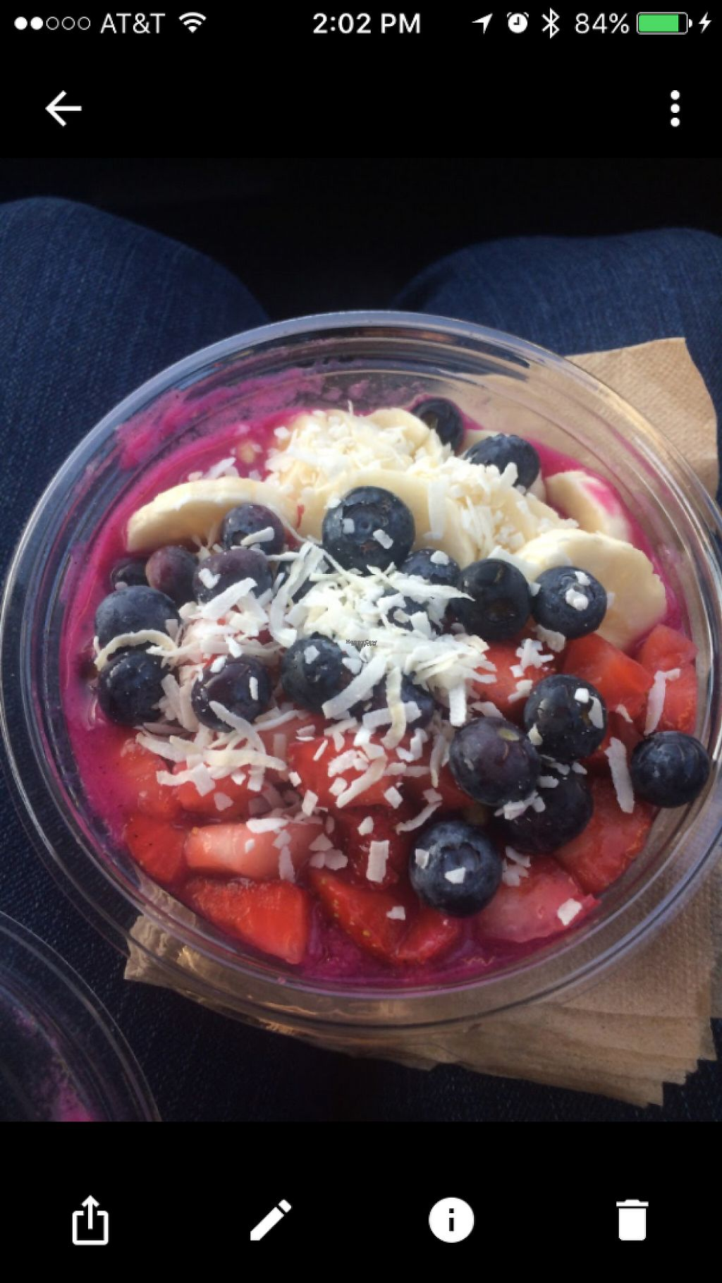 "Photo of Jamba Juice  by <a href=""/members/profile/glassesgirl79"">glassesgirl79</a> <br/>Acai bowl with blueberries, strawberries, bananas and shredded coconut  <br/> February 18, 2017  - <a href='/contact/abuse/image/87293/227930'>Report</a>"