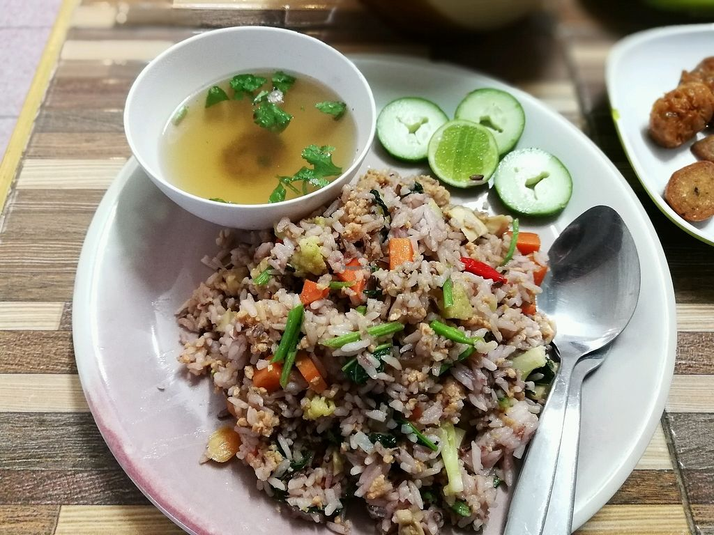 """Photo of Bee Vegan  by <a href=""""/members/profile/PatrickTunhapong"""">PatrickTunhapong</a> <br/>Fermented pork fried rice  <br/> January 16, 2018  - <a href='/contact/abuse/image/87311/347212'>Report</a>"""