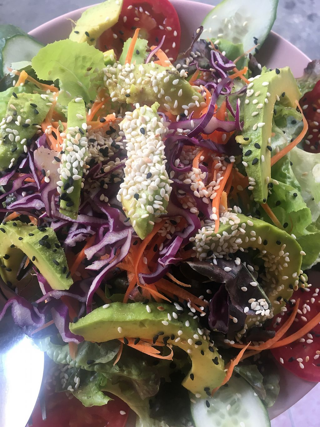 """Photo of Bee Vegan  by <a href=""""/members/profile/MichaelaEm%C3%ADliaMinaro"""">MichaelaEmíliaMinaro</a> <br/>Avocado salad  <br/> March 17, 2018  - <a href='/contact/abuse/image/87311/371765'>Report</a>"""