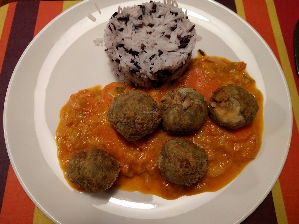 """Photo of Reineta  by <a href=""""/members/profile/steveveg"""">steveveg</a> <br/>Veggie balls on a stew of vegetables, tomatoes and wild rice <br/> May 8, 2017  - <a href='/contact/abuse/image/87436/257052'>Report</a>"""