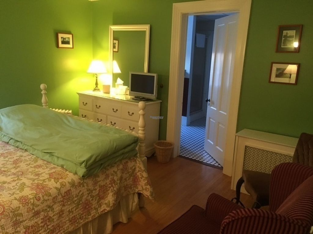 """Photo of Acacia House Inn  by <a href=""""/members/profile/NorthernStar"""">NorthernStar</a> <br/>Lovely Room #3 <br/> February 23, 2017  - <a href='/contact/abuse/image/87478/229731'>Report</a>"""