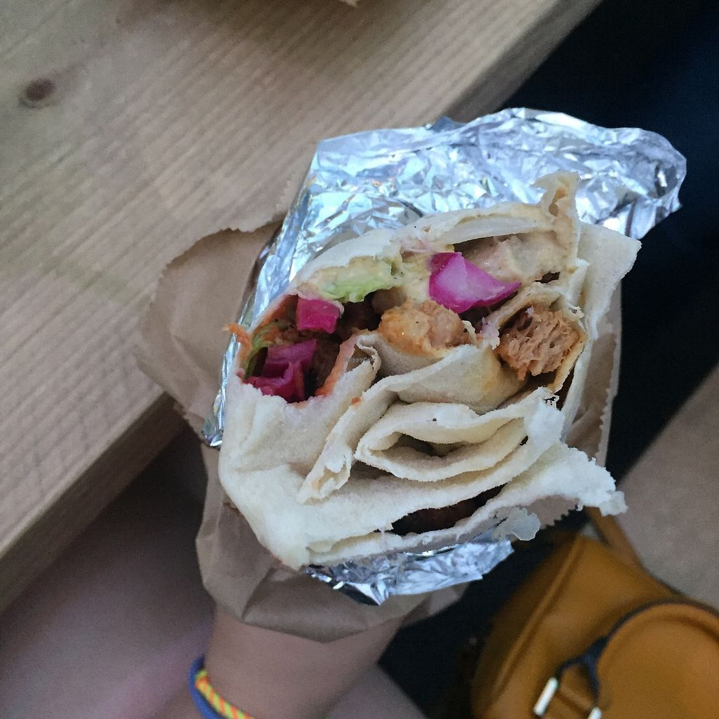 """Photo of What The Pitta - Croydon  by <a href=""""/members/profile/bakeydoesntbake"""">bakeydoesntbake</a> <br/>Vegan Doner! <br/> July 30, 2017  - <a href='/contact/abuse/image/87492/286811'>Report</a>"""