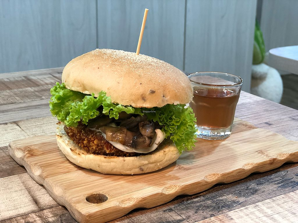 "Photo of NomVnom - Tai Seng St  by <a href=""/members/profile/CherylQuincy"">CherylQuincy</a> <br/>Lion Mane Mushroom Burger <br/> January 21, 2018  - <a href='/contact/abuse/image/87507/349169'>Report</a>"