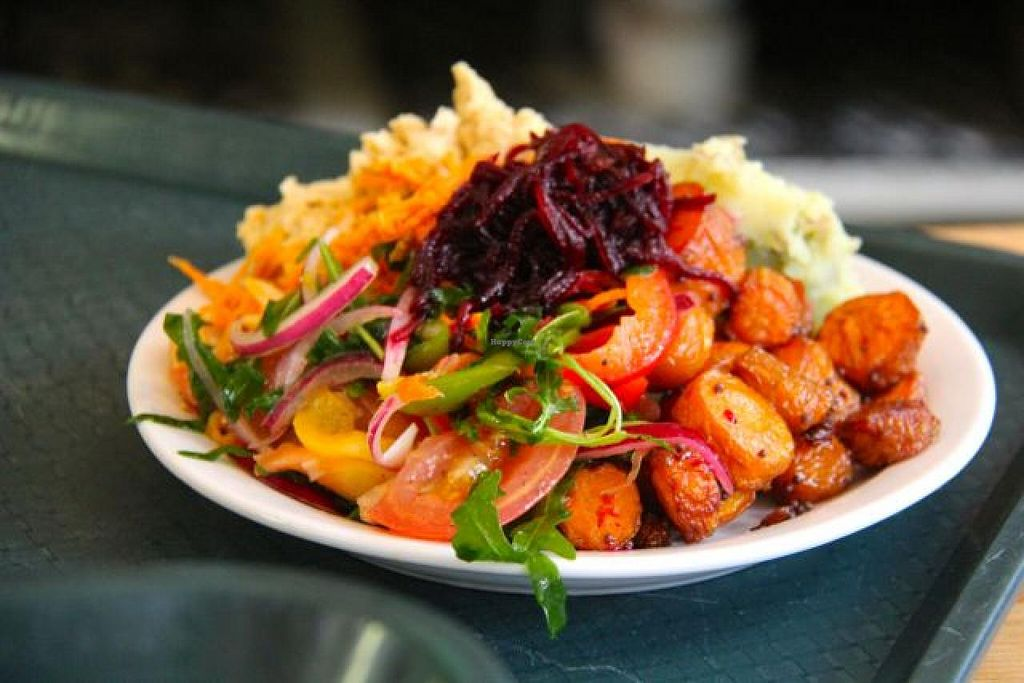 "Photo of Iydea Vegetarian Kitchen  by <a href=""/members/profile/trinitybourne"">trinitybourne</a> <br/>Really tasty salads for lunch! <br/> September 24, 2014  - <a href='/contact/abuse/image/8752/80935'>Report</a>"