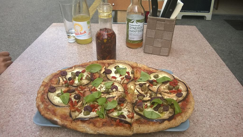 """Photo of Organic Pizza  by <a href=""""/members/profile/Summer"""">Summer</a> <br/>vegan pizza, chili oil and drinks <br/> June 19, 2017  - <a href='/contact/abuse/image/87594/271036'>Report</a>"""