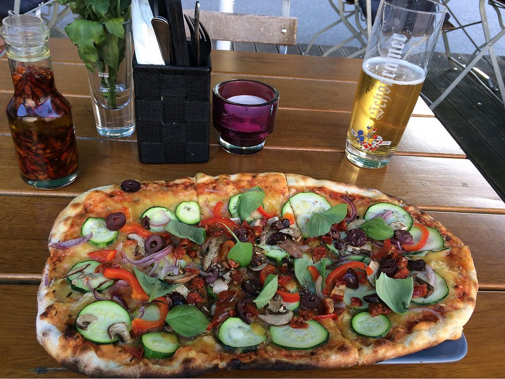 """Photo of Organic Pizza  by <a href=""""/members/profile/ThalitaGaddini"""">ThalitaGaddini</a> <br/>Pizza with vegan cheese, zucchini, peppers, onions, mushrooms and olives <br/> August 17, 2017  - <a href='/contact/abuse/image/87594/293728'>Report</a>"""