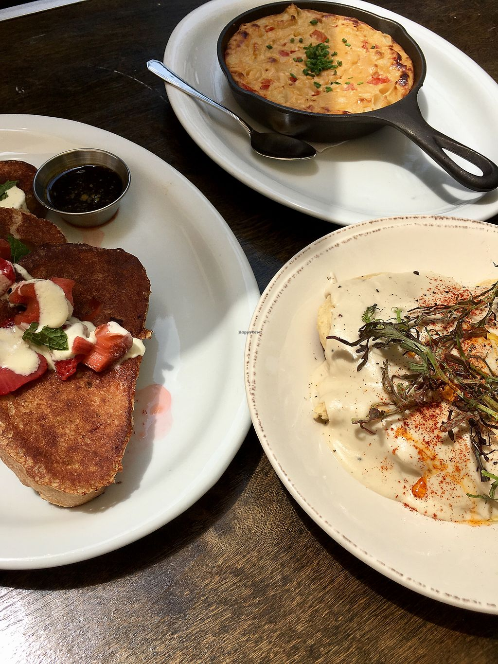 """Photo of Donna Jean  by <a href=""""/members/profile/aaronlee"""">aaronlee</a> <br/>Mac n Cheese, Biscuits and Gravy, French Toast <br/> July 30, 2017  - <a href='/contact/abuse/image/87600/286706'>Report</a>"""
