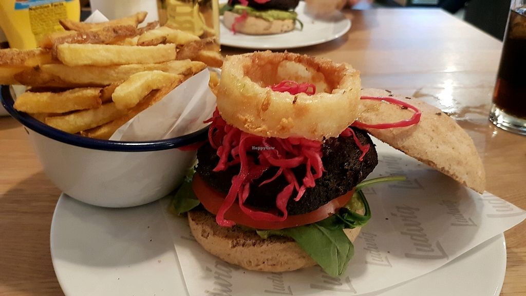 "Photo of Ludwig Burger  by <a href=""/members/profile/Amalie"">Amalie</a> <br/>vegan burger ans handmade fries <br/> September 10, 2017  - <a href='/contact/abuse/image/87660/302956'>Report</a>"