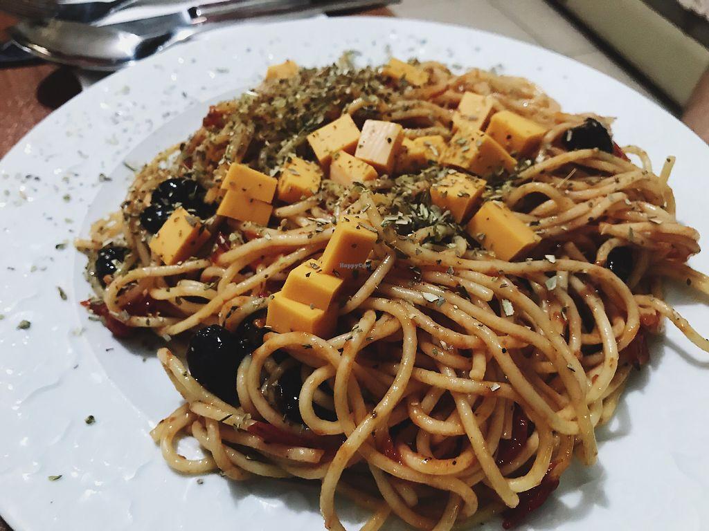 "Photo of Feslegen Butik  by <a href=""/members/profile/veganoteacher"">veganoteacher</a> <br/>Vegan Spaghetti with Vegan Cheddar <br/> October 14, 2017  - <a href='/contact/abuse/image/87694/315128'>Report</a>"