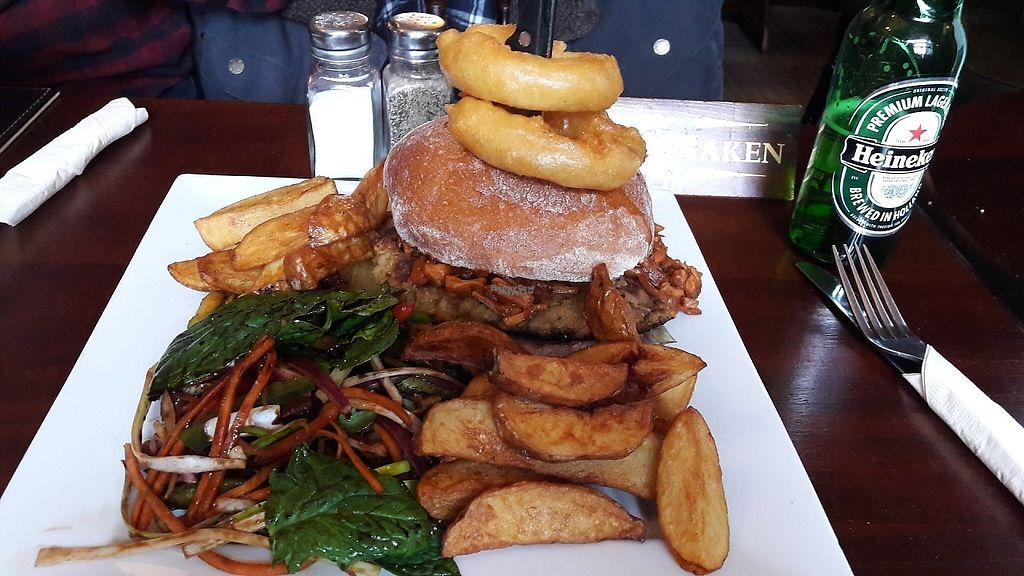 """Photo of The Castle Inn   by <a href=""""/members/profile/Veganolive1"""">Veganolive1</a> <br/>Falafel & jackfruit burger <br/> March 3, 2017  - <a href='/contact/abuse/image/88054/232283'>Report</a>"""