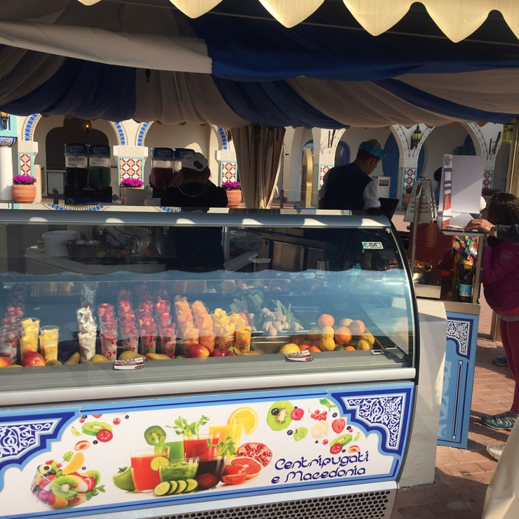 "Photo of Vegan Kiosk  by <a href=""/members/profile/FabioDiRosa"">FabioDiRosa</a> <br/>fresh fruit <br/> April 23, 2017  - <a href='/contact/abuse/image/88075/251437'>Report</a>"