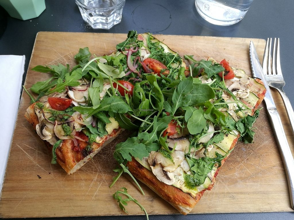 """Photo of Square Delicatessen  by <a href=""""/members/profile/Hannyyy"""">Hannyyy</a> <br/>Vegan Zucchini Pizza  <br/> September 17, 2017  - <a href='/contact/abuse/image/88140/305340'>Report</a>"""