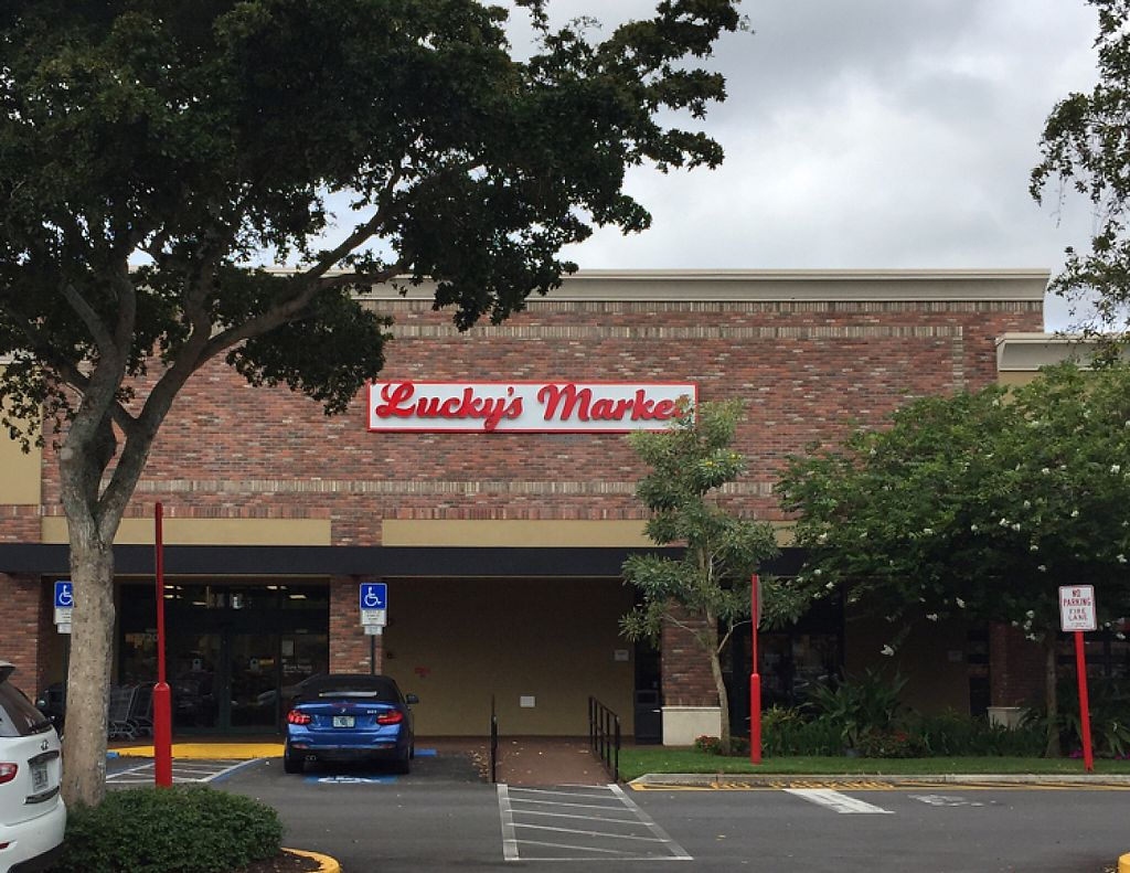 "Photo of Lucky's Market  by <a href=""/members/profile/amejias"">amejias</a> <br/>Entrance  <br/> March 14, 2017  - <a href='/contact/abuse/image/88248/236466'>Report</a>"