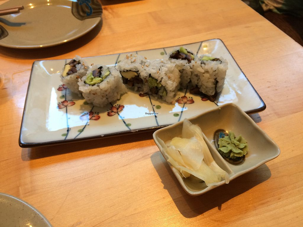 "Photo of Kiku Sushi  by <a href=""/members/profile/Trixie28"">Trixie28</a> <br/>avocado shittake roll  <br/> August 26, 2017  - <a href='/contact/abuse/image/88267/297315'>Report</a>"