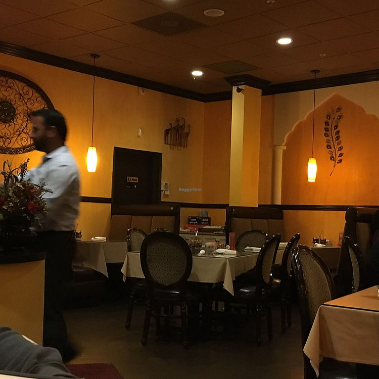 """Photo of Malhi's Indian Cuisine  by <a href=""""/members/profile/AliciaRios"""">AliciaRios</a> <br/>it's both casual and fancy  <br/> July 2, 2017  - <a href='/contact/abuse/image/88404/275833'>Report</a>"""