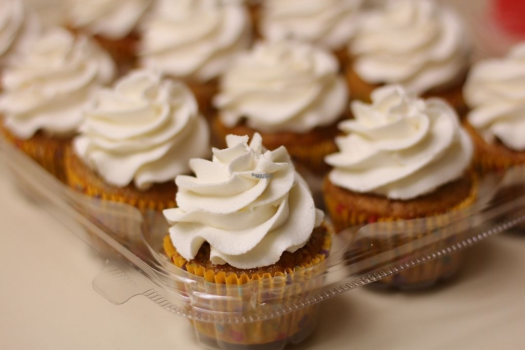 """Photo of Positively Frosted  by <a href=""""/members/profile/mandipants15"""">mandipants15</a> <br/>Banana Bourbon Maple cupcakes <br/> March 11, 2017  - <a href='/contact/abuse/image/88439/235091'>Report</a>"""