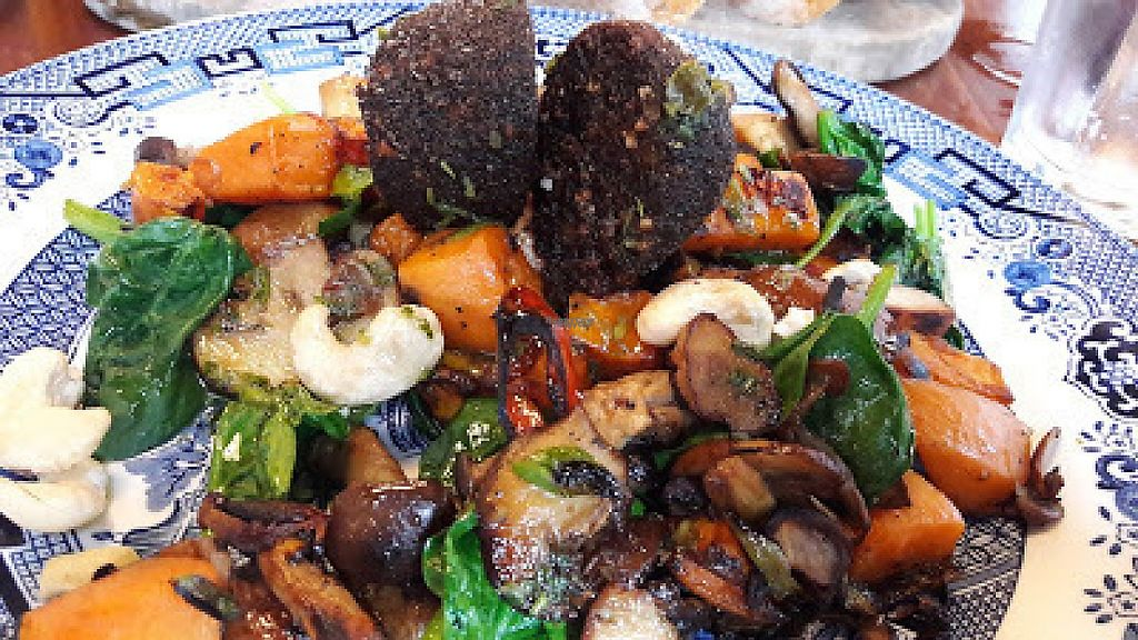"Photo of Trof NQ  by <a href=""/members/profile/Veganolive1"">Veganolive1</a> <br/>Sweet potato hash with black pudding <br/> March 13, 2017  - <a href='/contact/abuse/image/88595/235943'>Report</a>"