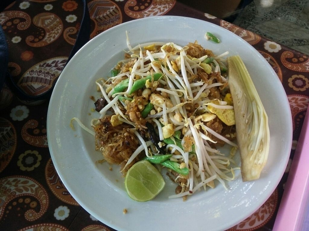 """Photo of Swean Jern Tsu Hung  by <a href=""""/members/profile/Prathan"""">Prathan</a> <br/>Pad Thai vegan <br/> April 16, 2017  - <a href='/contact/abuse/image/88684/248760'>Report</a>"""