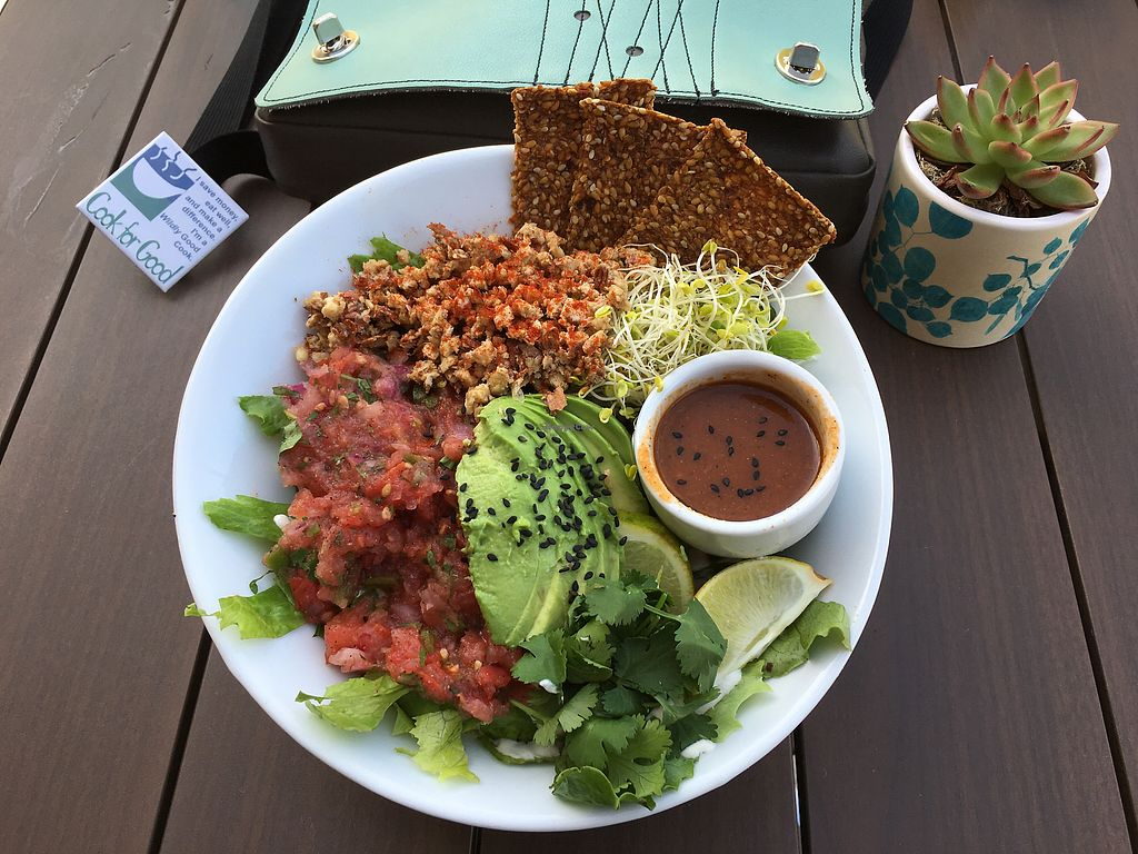 """Photo of Living Kitchen  by <a href=""""/members/profile/Cook%20for%20Good"""">Cook for Good</a> <br/>Rawco Taco <br/> October 22, 2017  - <a href='/contact/abuse/image/88713/317665'>Report</a>"""