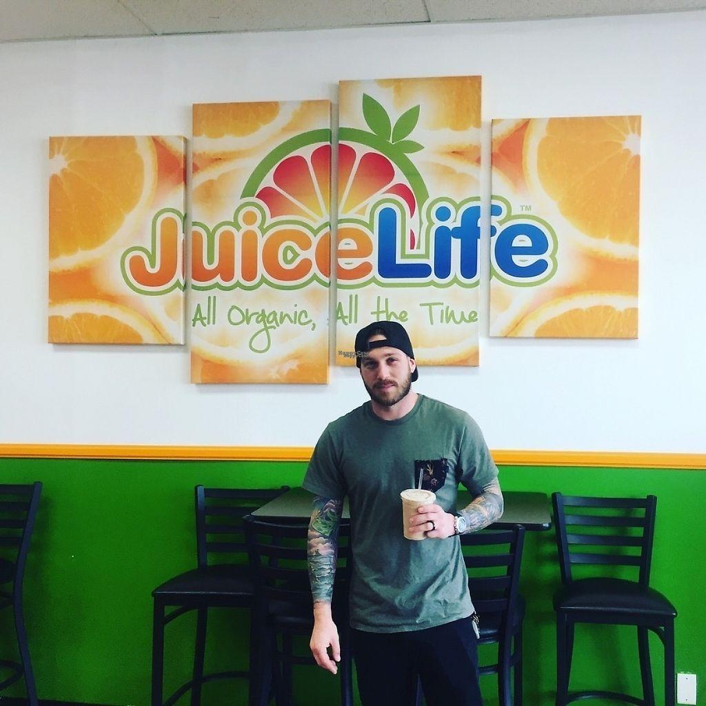 "Photo of Juice Life   by <a href=""/members/profile/JaviGGutierrez"">JaviGGutierrez</a> <br/>Customers love Juice life! <br/> March 16, 2017  - <a href='/contact/abuse/image/88763/237125'>Report</a>"