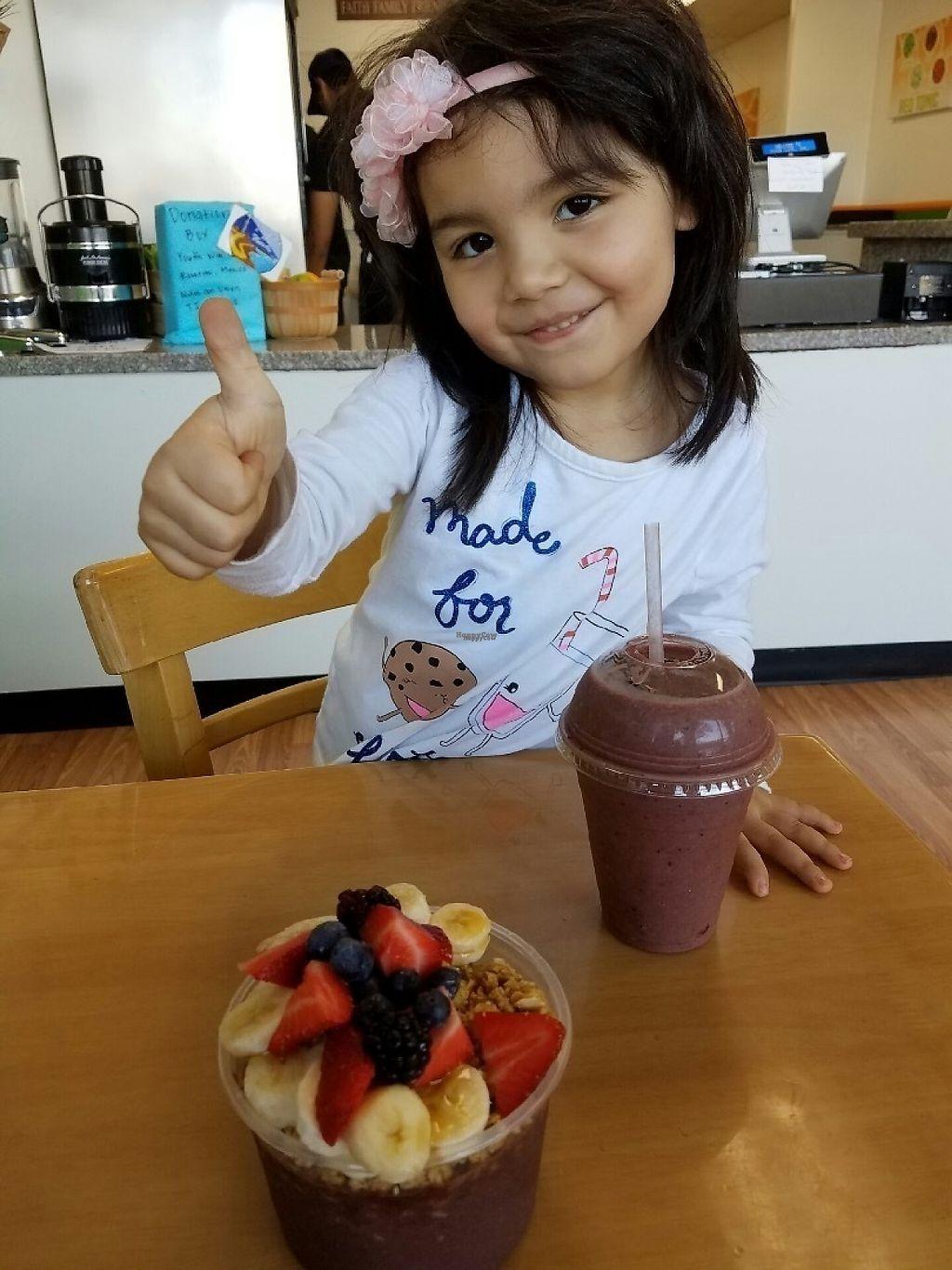 "Photo of Juice Life   by <a href=""/members/profile/JaviGGutierrez"">JaviGGutierrez</a> <br/>babys love Juice life <br/> March 16, 2017  - <a href='/contact/abuse/image/88763/237130'>Report</a>"