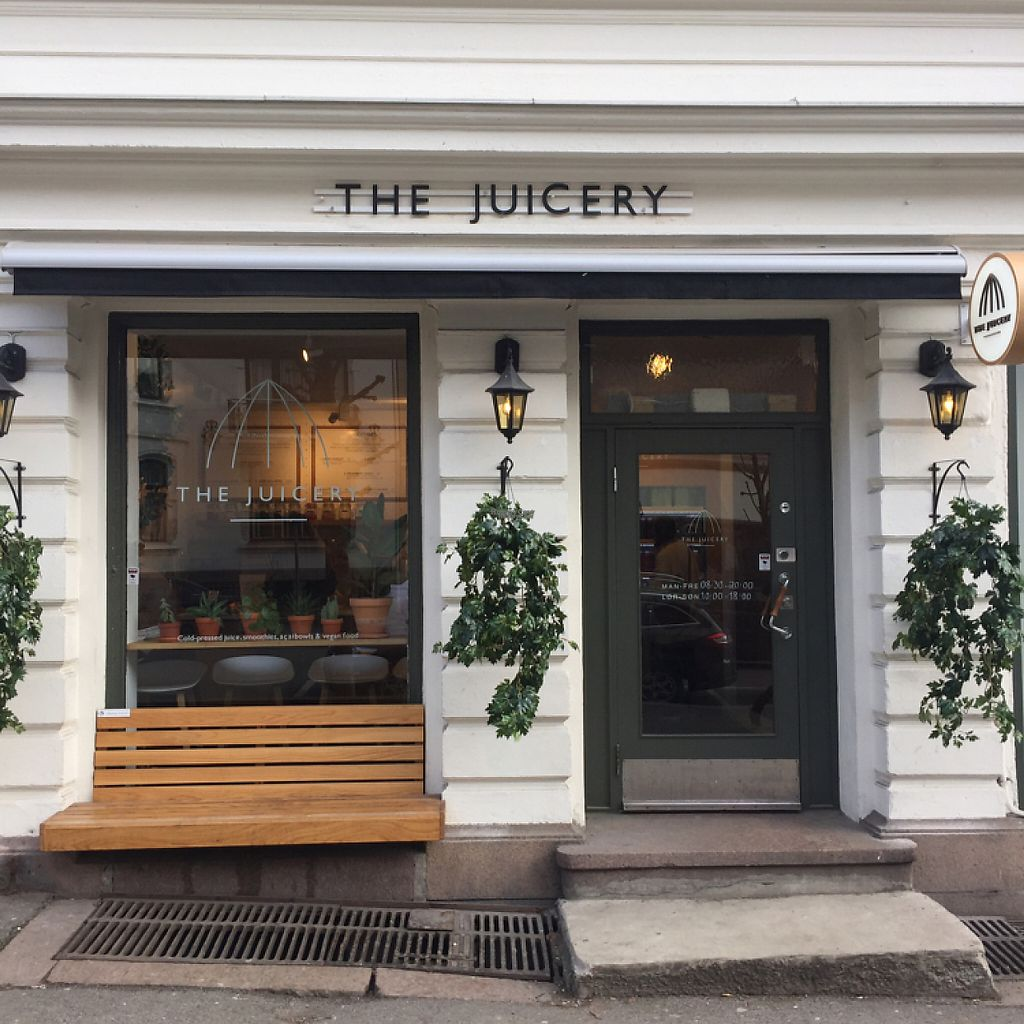 """Photo of The Juicery  by <a href=""""/members/profile/Vegan-Traveller"""">Vegan-Traveller</a> <br/>Outside <br/> March 17, 2017  - <a href='/contact/abuse/image/88802/237607'>Report</a>"""